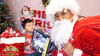 BÉ BẮP KHÓC NHÈ ĐÒI QUÀ TỪ ÔNG GIÀ NOEL - Santa Claus Presents Kids Gifts