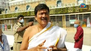 Actor Rajendra Prasad offers prayers at Tirumala; says ful..