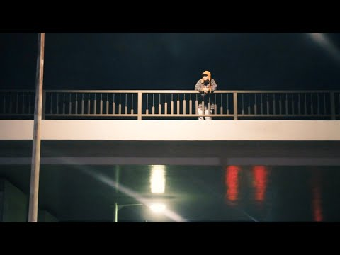 YAJICO GIRL - 街の中で [Official Music Video]
