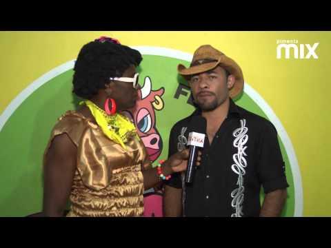Baixar Entrevista Arreio de Ouro na Vaca Atolada - Vaquejada de Serrinha 2013 - Pimenta Mix