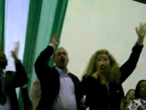 Baixar Shirley Carvalhaes Cantando Esse Adorador na Vigilia da AD Ministerio Rhema