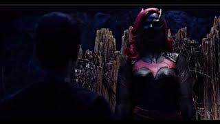 Arrow 7×09 Barry, Oliver and Kara Meet Batwoman| Meeting of Kate Kane