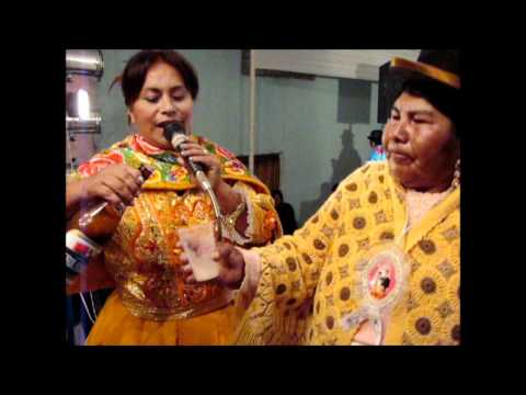 Haydee Raymundo en Putina, Puno, full ritmo.wmv