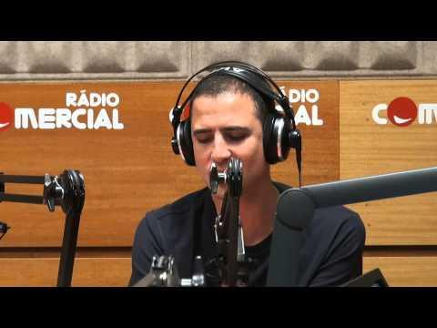 Ricardo Araújo Pereira faz paródia com os sumos Detox na Mixórdia de Temáticas