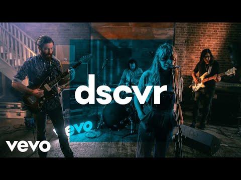 Alexandra Savior - Girlie - Vevo dscvr (Live)