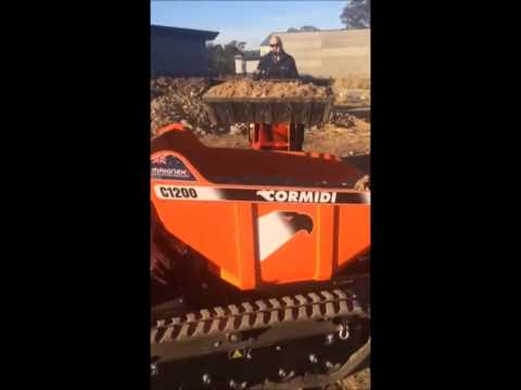 mini dumper in action