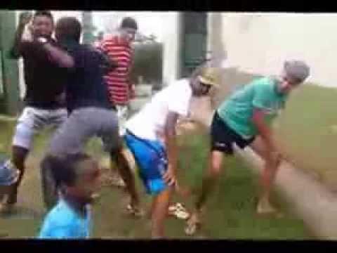Baixar TO VENDO UM MACACO EM CIMA DO POSTE ♫♪ (BATEU UMA ONDA FORTE)