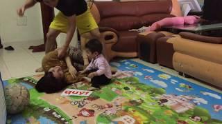 Cận cảnh bố đánh mẹ bé 15 tháng tuổi phản ứng kinh khủng khiếp