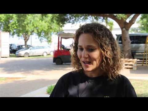 #AfricaConnected - Nikiwe Bikitsha visits Sunshine Nut Company in Mozambique