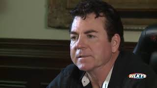 Papa Johns founder, John Schnatter, apologizes for slur, blames agency