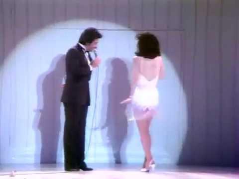 [十亿个掌声]1984年邓丽君十五周年巡回演唱会(下集)正版DVD 字幕版  学习中文歌曲的好教材