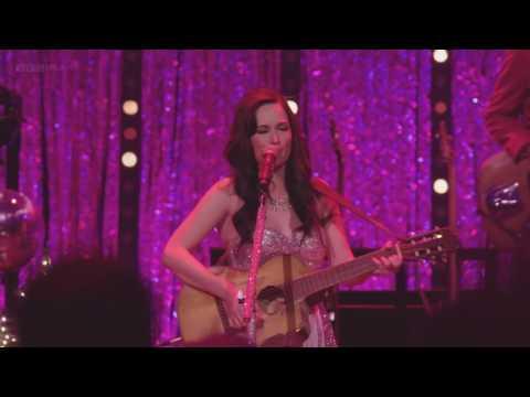 Kacey Musgraves - Follow Your Arrow (Live at Royal Albert Hall)