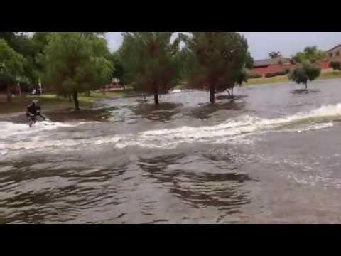 Еве како луѓето од Аризона се справуваат со поплавите