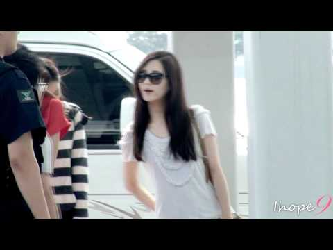 [120609] SNSD @ Incheon airport by ihope9
