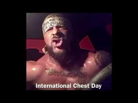 Bodybuilder Robert Frank Replies to Fuck Boy in his Dm's