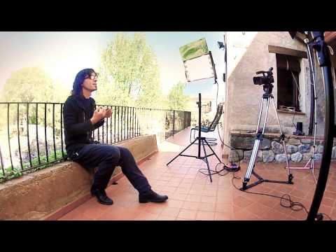 "Entrevista amb Xavi Múrcia. Disc/Espectacle ""A través de Vinyoli"""