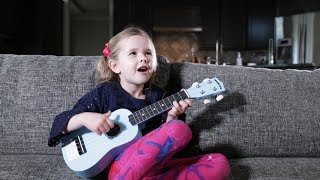 TWINKLE TWINKLE LITTLE STAR - 5-Year-Old Claire's First Song on Ukulele