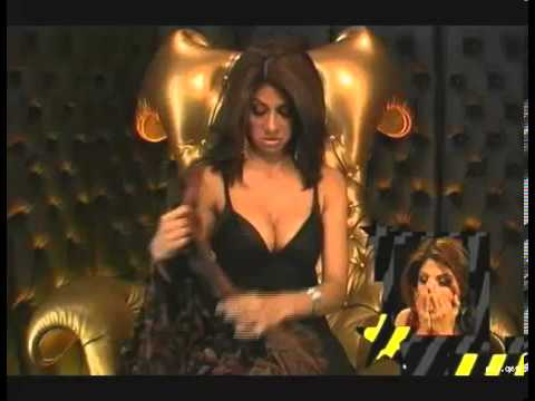 Shilpa shetty boob show in big brother