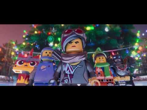 La Fiesta de Navidad de Emmet:  Un Corto de la LEGO® Película - Castellano HD