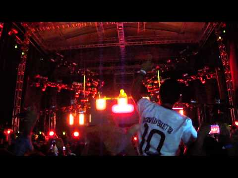 Baixar David Guetta - She Wolf (Falling to Pieces) Guadalajara 2013