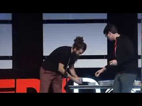 Baixar Low-fi, high-tech neuroscience for everyone! Greg Gage at TEDxDetroit 2013