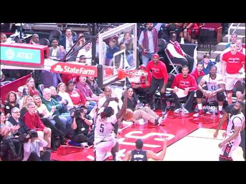 Montrezl Swats on One End, Alley-Oops on the Other | 12.30.16