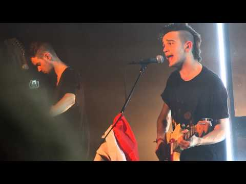 Robbers - The 1975 Live in Paris