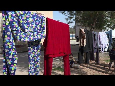 مدنيون خرجوا من الغوطة الشرقية يتملكهم القلق على مصير عائلاتهم المحاصرة