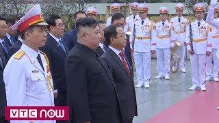Chủ tịch Kim Jong-un vào lăng viếng Chủ tịch Hồ Chí Minh
