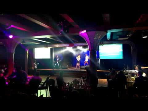 Тест камеры HTC One - концерт IOWA