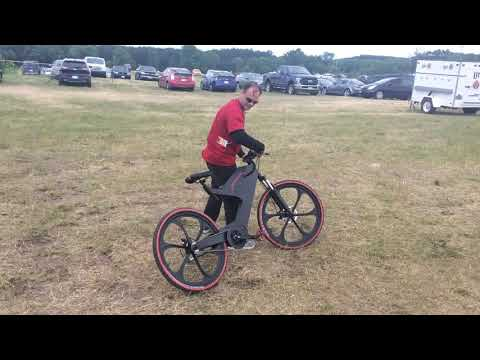 Manthini electric bike burnout on grass