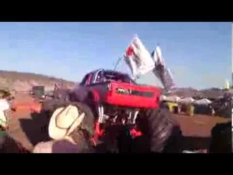 Accidente Monster Truck AeroShow De Chihuahua' 2013 (HD VIDEO)