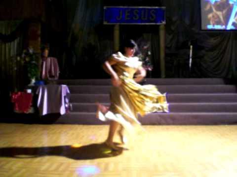pastora priscila danza de guerra Espiritual en la iglesia del avivamiento