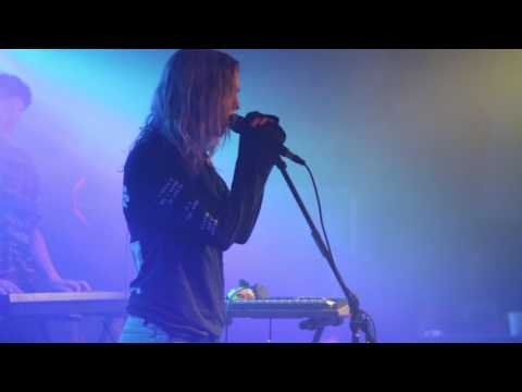 The Japanese House - Still (Live at the Riot Room)