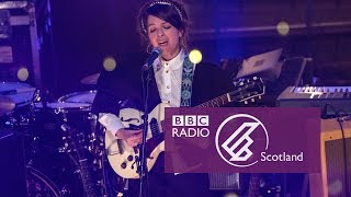 Jesca Hoop - Red, White and Black (The Quay Sessions)