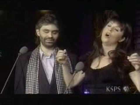 莎拉·布莱曼与意大利歌手(安德烈·波伽利)合唱的《告别的时刻》