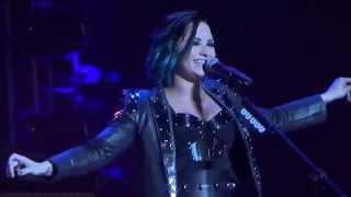 La La Land- Demi Lovato- Istanbul Ulker Sports Arena 16.11.2014
