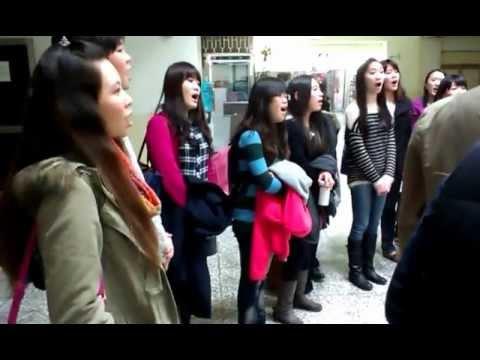 台。中。港~聽見幸福慈善晚會~中山女高校友合唱團~月亮代表我的心