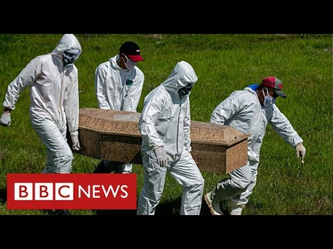 Brazil's President rejects lockdown despite 370,000 Covid deaths - BBC News