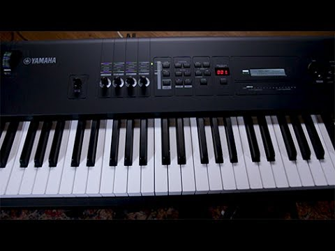 Yamaha MX88 Music Synthesizer