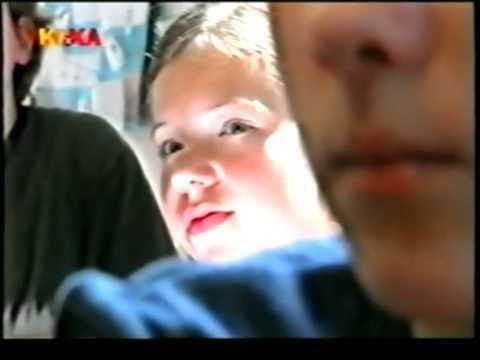 Paula Schramm Die Bienen Tödliche Bedrohung 2008 Videomovilescom