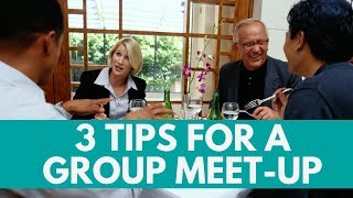 How To Schedule a Meet Up With Online Friends When You Travel