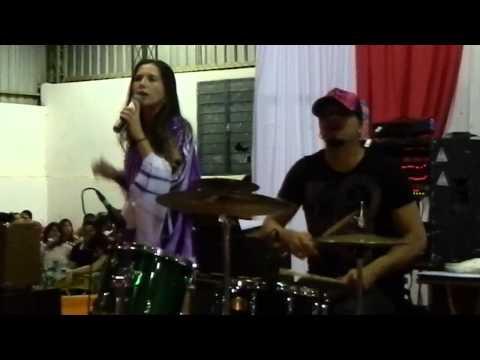 Baixar Daia canta MC Anitta. Show das Poderosas. Festa da APAE.