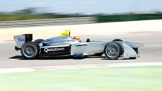 Ho-Pin Tung tests the Formula E car (Chinese version)