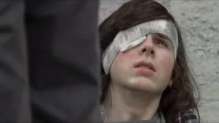 The Walking Dead - Carl attacks the Saviors.