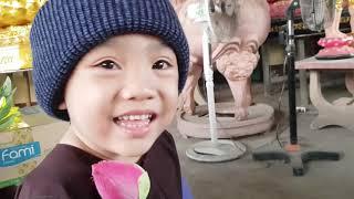 5 Chú Tiểu   PHÁP TÂM KHOE NÓN TRÙM VÀ BÔNG SEN DO THẦY ''ÔNG NỘI'' TẶNG HẾT SỨC DỄ THƯƠNG..!!