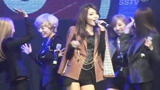 [Funny] 111117 SNSD The Boys + Gee @ Woongjin Coway Concert