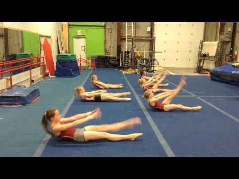 Специјална кореографија која со 4 минути вежбање дневно гарантира стомчни мускули