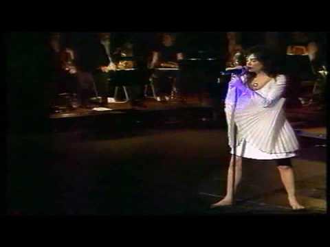 Björk - Violently Happy (1999) Reykjavik, Iceland