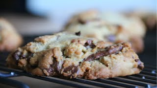 Levain Bakery Chocolate Chip Cookies (By BlanchTurnip)